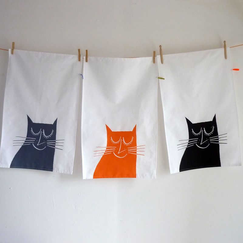 Happycatteatowels